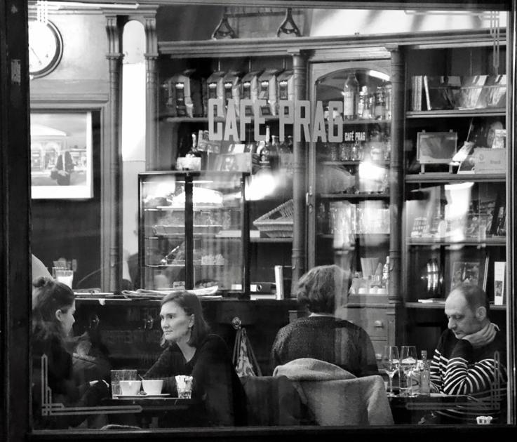 Innenstadt: Cafe Prag unterstützen – Buch und CDs bestellen!